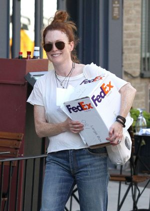 Julianne Moore Picking up a FedEx Package in New York City
