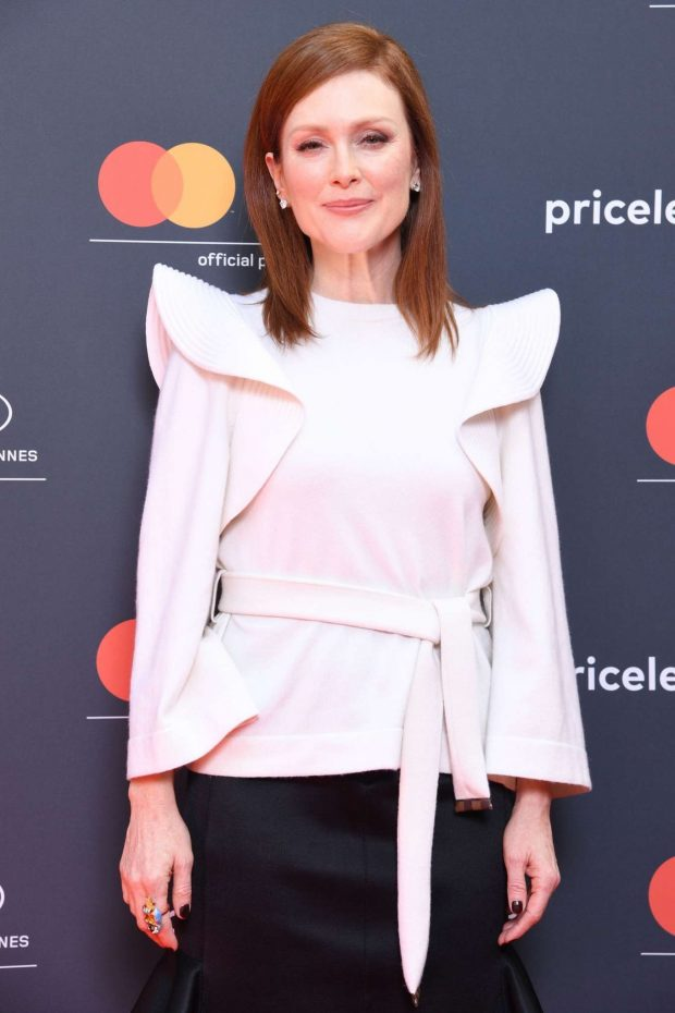 Julianne Moore: See Life Through A Different Lens Photocall -08