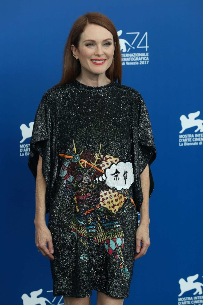 Julianne Moore - Suburbican photocall at 2017 Venice Film Festival - Italy