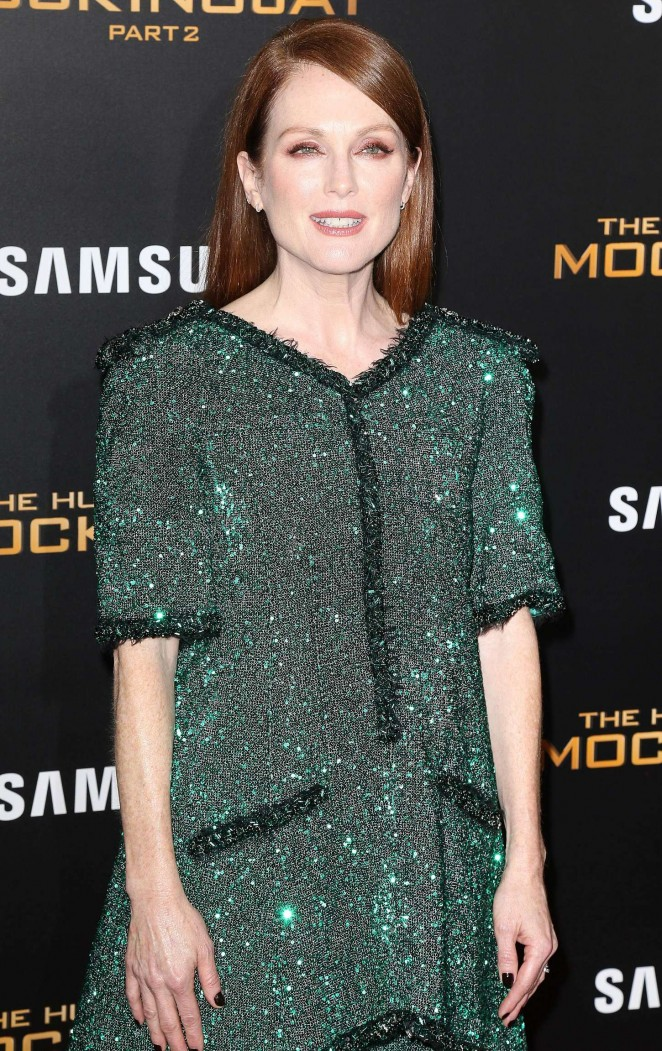 Julianne Moore – 'The Hunger Games: Mockingjay' Part 2 Premiere in NYC