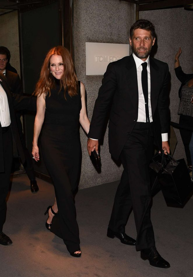 Julianne Moore: Tom Ford Fashion Show at New York Fashion Week -02