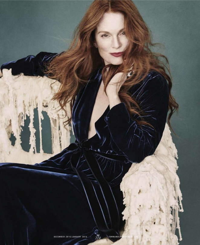 Julianne Moore - Town & Country US Magazine (Winter 2015)