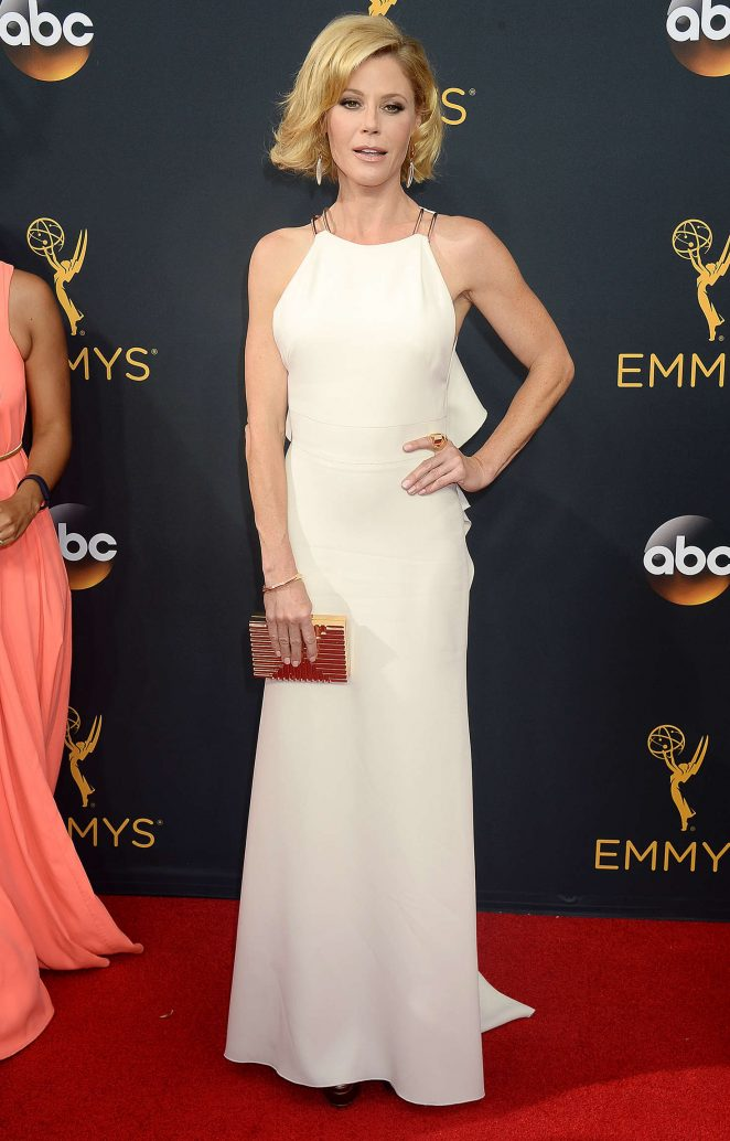 Julie Bowen - 2016 Emmy Awards in Los Angeles