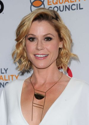 Julie Bowen - 2017 Impact Awards Annual Gala in Beverly Hills