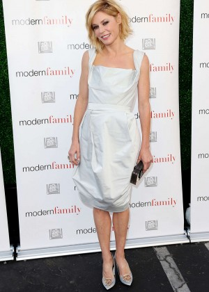 Julie Bowen - 'Modern Family' Premiere Season Finale in Century City