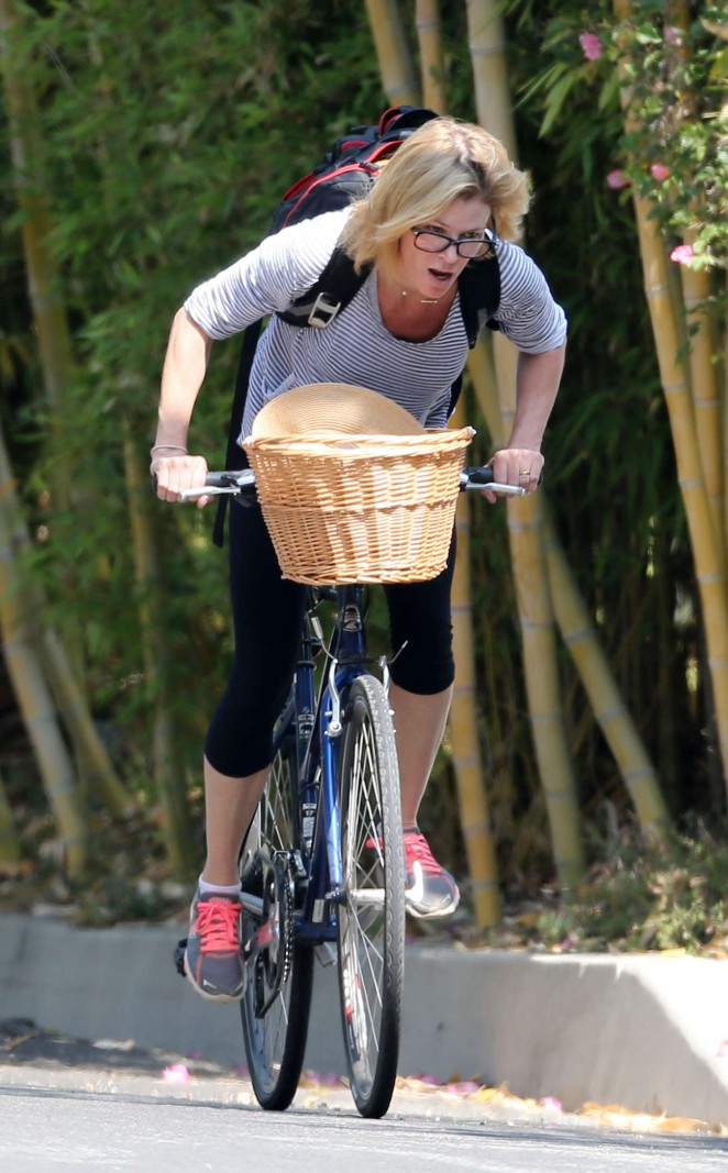 Julie Bowen - Bike Ride in LA