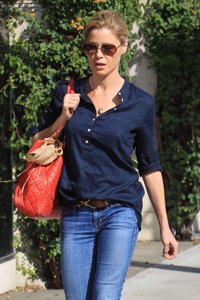Julie Bowen in Jeans out in Beverly Hills