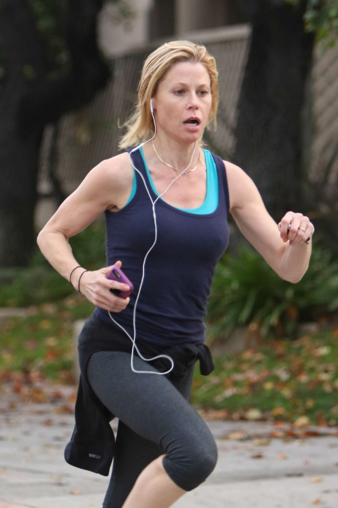 Julie Bowen in Tights jogging in Sherman Oaks