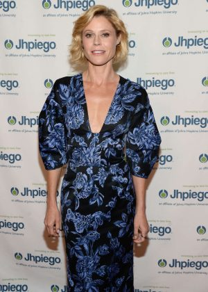 Julie Bowen - Jhpiego's 'Laughter Is The Best Medicine' in Beverly Hills