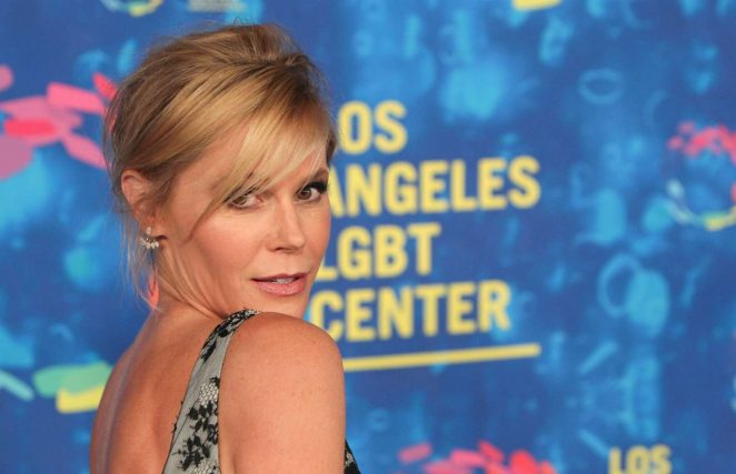 Julie Bowen: LGBT Centers 47th Anniversary Gala Vanguard Awards -06