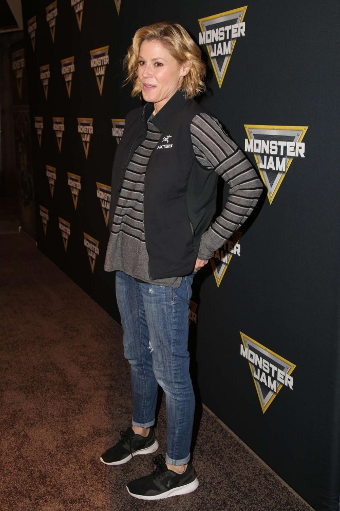 Julie Bowen: Monster Jam Celebrity Night -03
