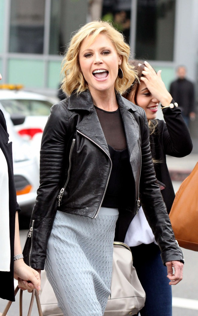 Julie Bowen - Out and about in Hollywood