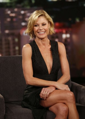 Julie Bowen - Visits 'Jimmy Kimmel Live!' in Hollywood