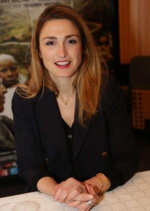 Julie Gayet - 'L'homme qui repare les femmes' Screening in Marignane