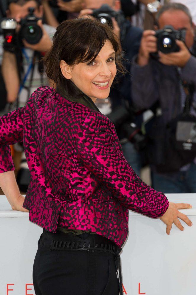 Juliette Binoche - 'Slack Bay' Photocall at 69th annual Cannes Film Festival