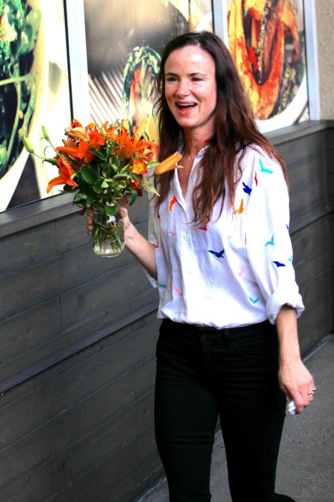 Juliette Lewis buys flowers at Erewhon Market in Hollywood