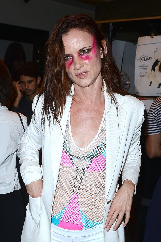 Juliette Lewis - Outside the the El Rey Theatre in LA