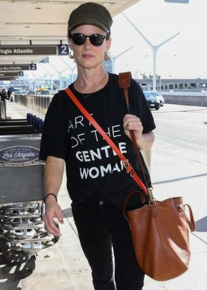 Juliette Lewis - Seen at Los Angeles LAX