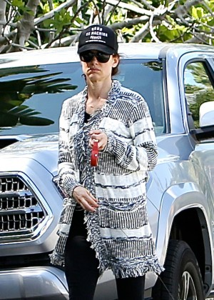 Juliette Lewis - Walks her chihuahua Teddy in Los Angeles