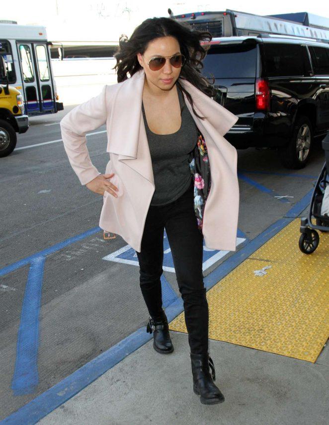Jurnee Smollett-Bell - Arrives at Los Angeles International Airport