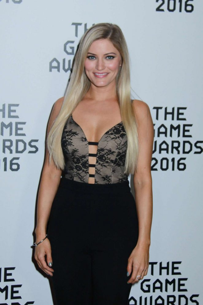 Justine Ezarik – The Game Awards 2016 in Los Angeles