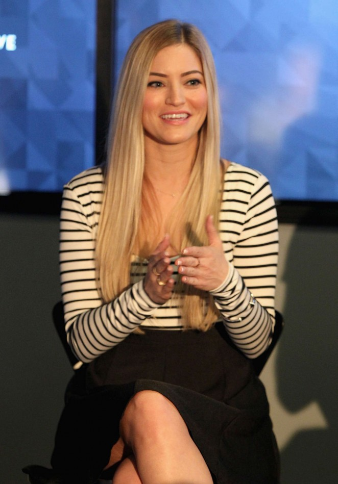 "Justine Ezarik - Vanity Fair Campaign Hollywood Social Club ""YouTube All Stars"" Panel 2015 in LA"