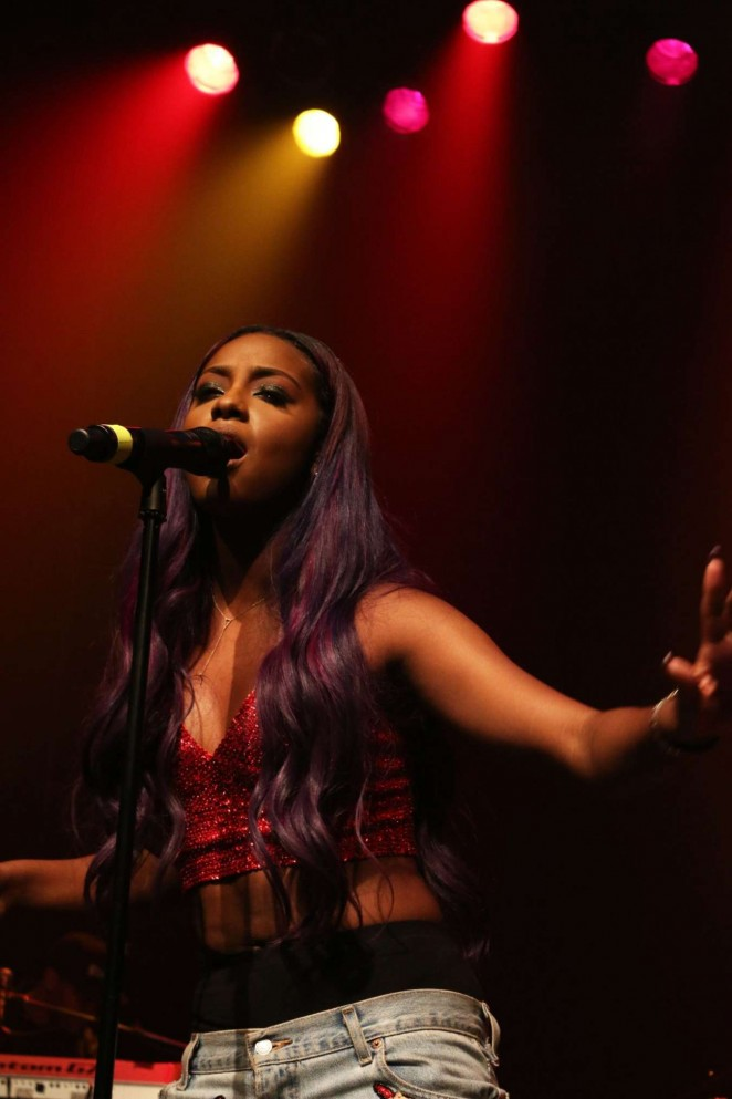 Justine Skye - Performs at Her Emotionally Unavailable Tour in NY