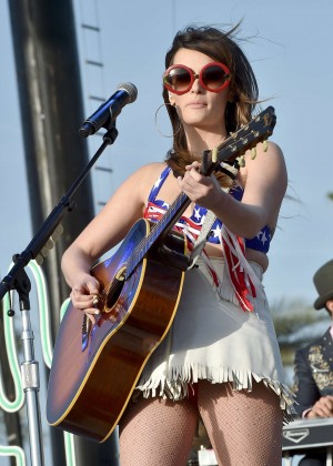 Kacey Musgraves - 2015 Stagecoach California's Country Music Festival in Indio