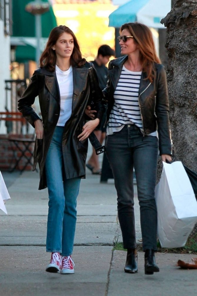 Kaia Gerber and Cindy Crawford – Shopping in Los Angeles