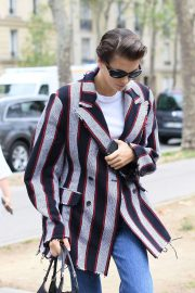 Kaia Gerber - Arrives for photoshoot at l'UNESCO in Paris