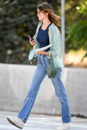 Kaia Gerber - is spotted heading to Erewhon Market in Los Angeles