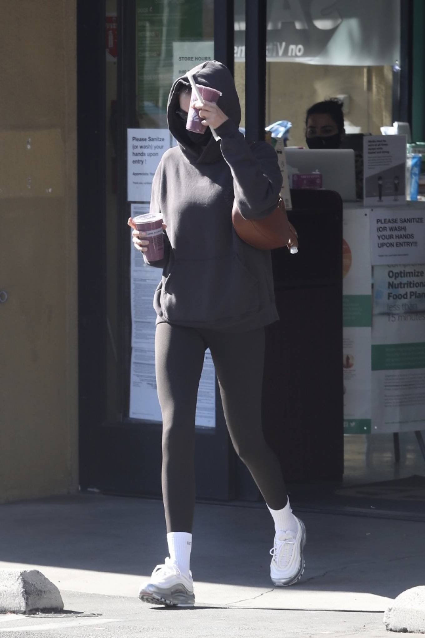 Kaia Gerber - Leaves smoothie shop after workout