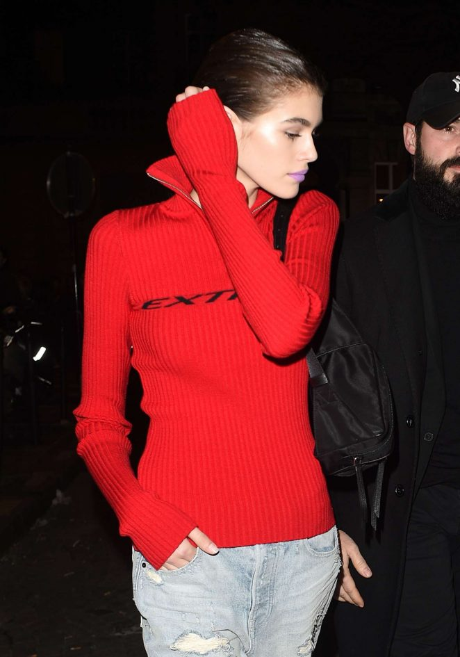 Kaia Gerber - Leaving the Valentino fashion show in Paris
