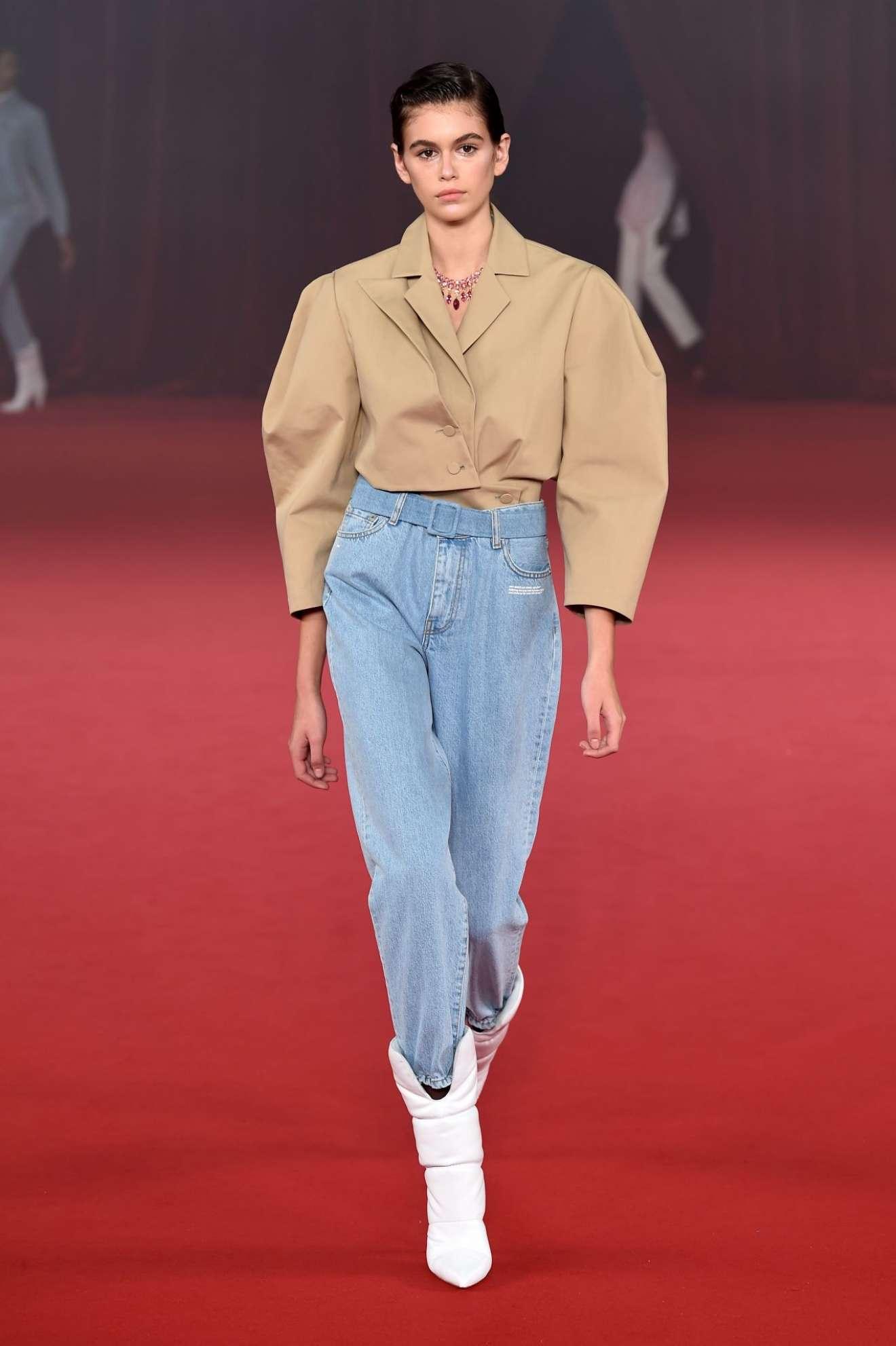 Kaia Gerber - Off-White 2017 Fashion Show in Paris