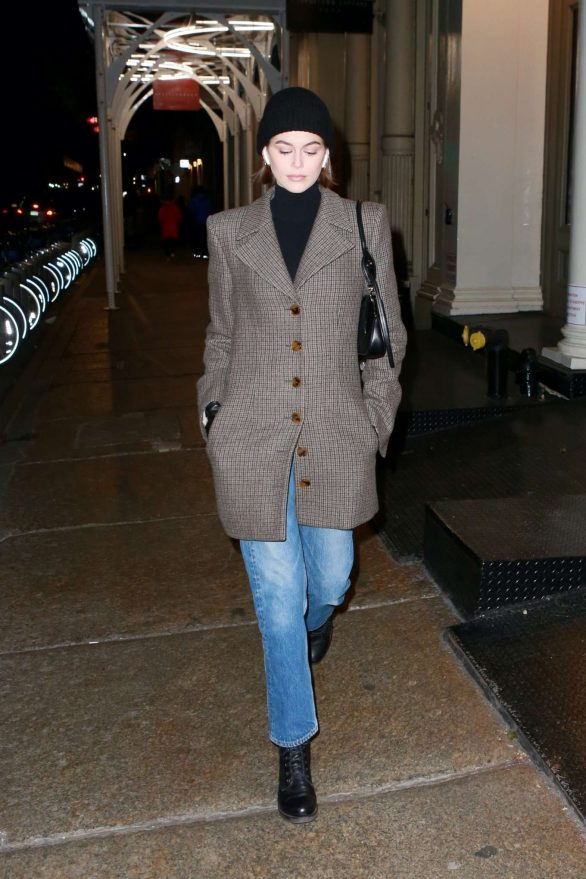 Kaia Gerber 2019 : Kaia Gerber – Out for a stroll in New York-02