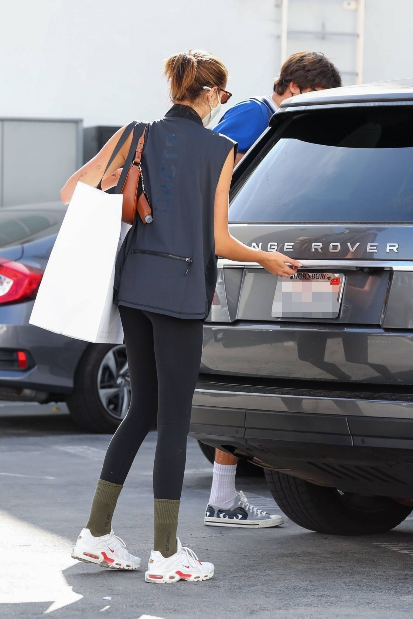 Kaia Gerber 2021 : Kaia Gerber – Out with Jacob Elordi for a shopping at Celine in Beverly Hills-03