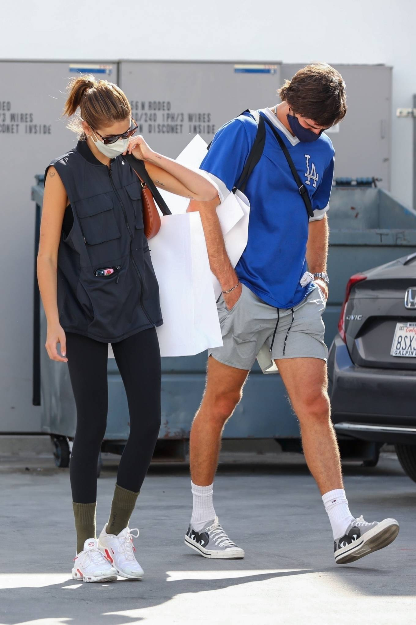 Kaia Gerber 2021 : Kaia Gerber – Out with Jacob Elordi for a shopping at Celine in Beverly Hills-24