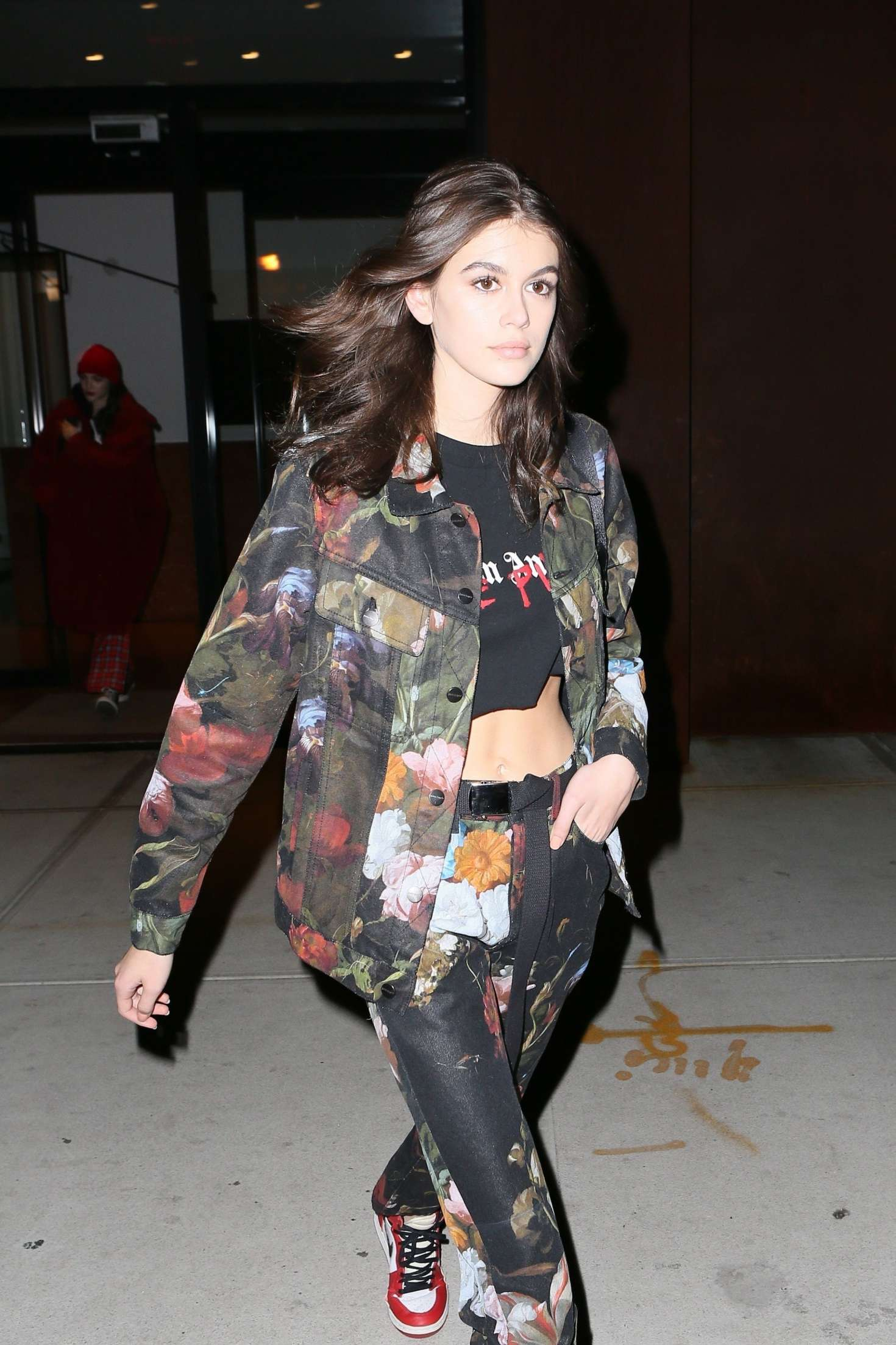 Kaia Gerber returns to her hotel in NY