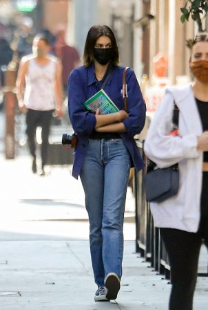 Kaia Gerber - Seen at 'The Last Bookstore' in Los Angeles