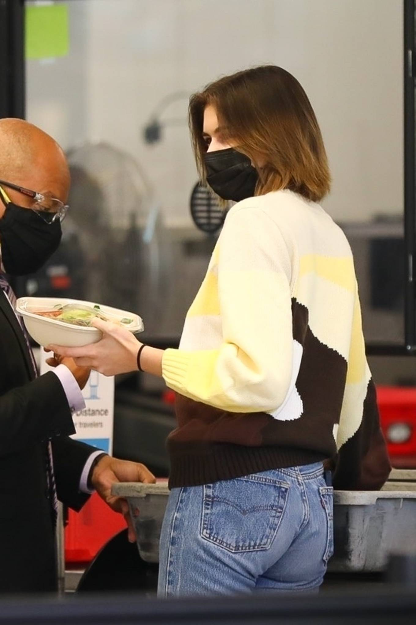 Kaia Gerber - Seen flying out of Los Angeles