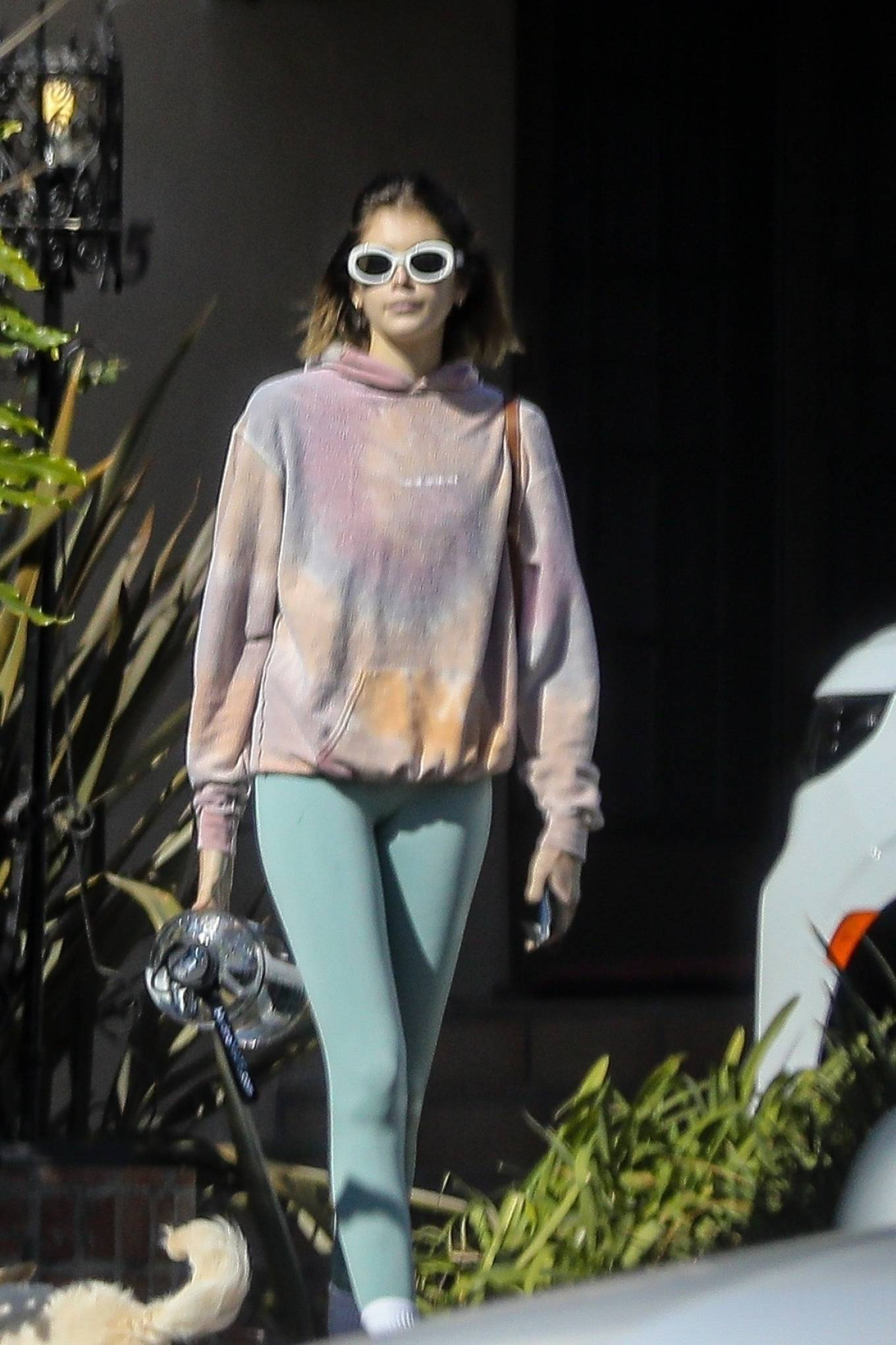 Kaia Gerber 2020 : Kaia Gerber – Seen walking her dog in Santa Monica-09