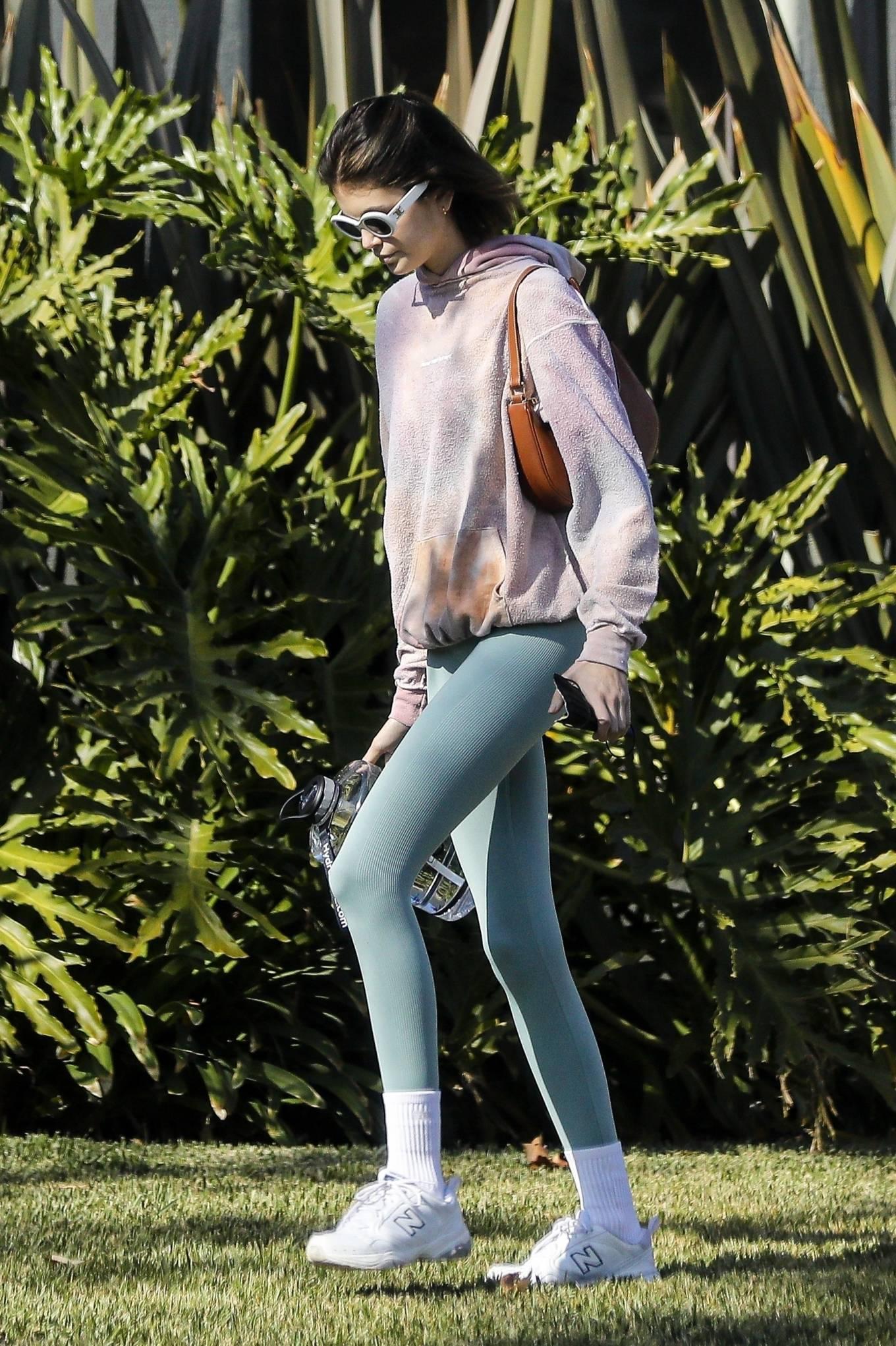 Kaia Gerber 2020 : Kaia Gerber – Seen walking her dog in Santa Monica-11