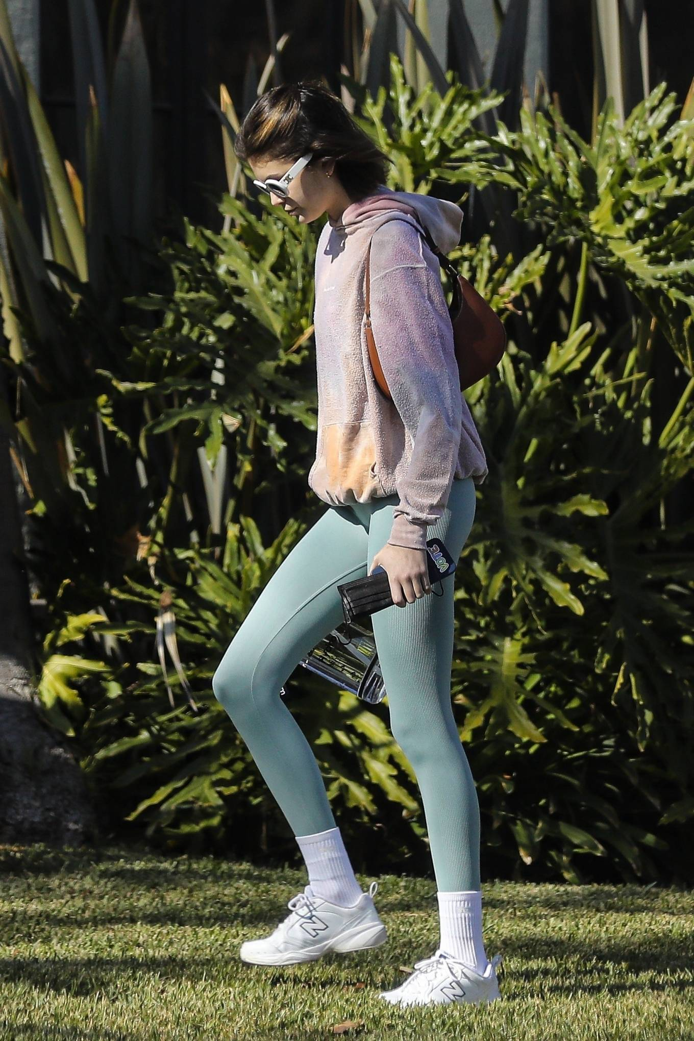 Kaia Gerber 2020 : Kaia Gerber – Seen walking her dog in Santa Monica-16