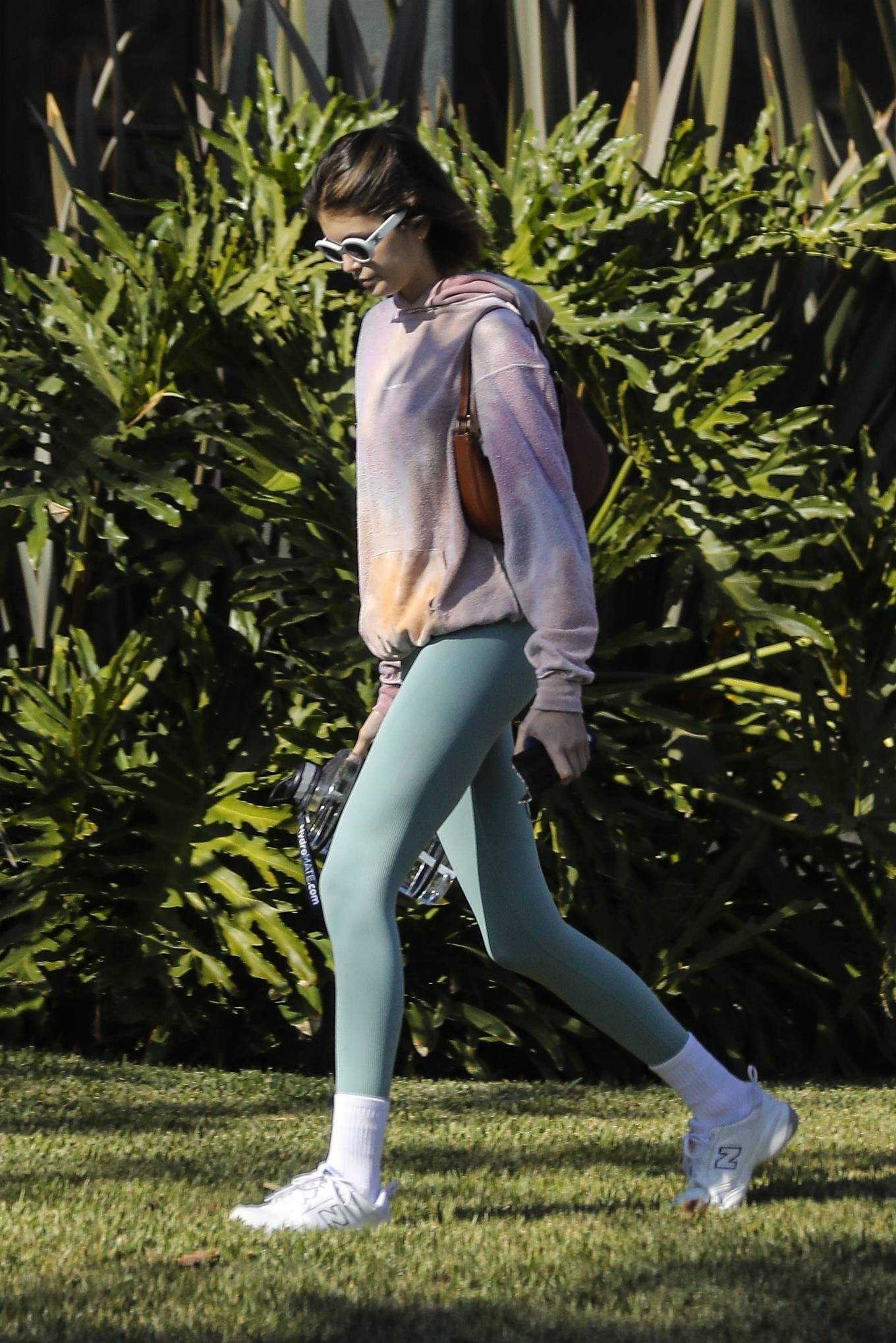 Kaia Gerber 2020 : Kaia Gerber – Seen walking her dog in Santa Monica-17