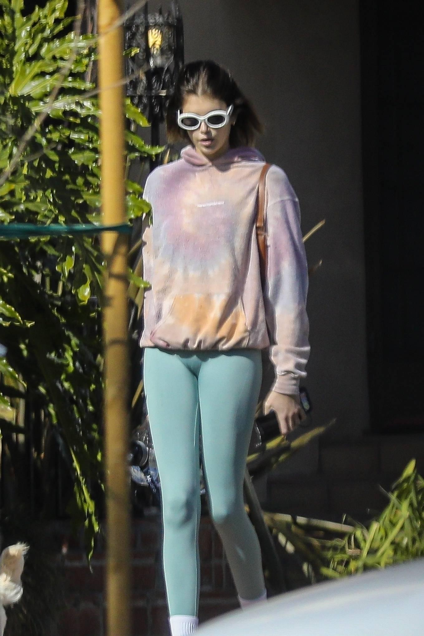Kaia Gerber 2020 : Kaia Gerber – Seen walking her dog in Santa Monica-19