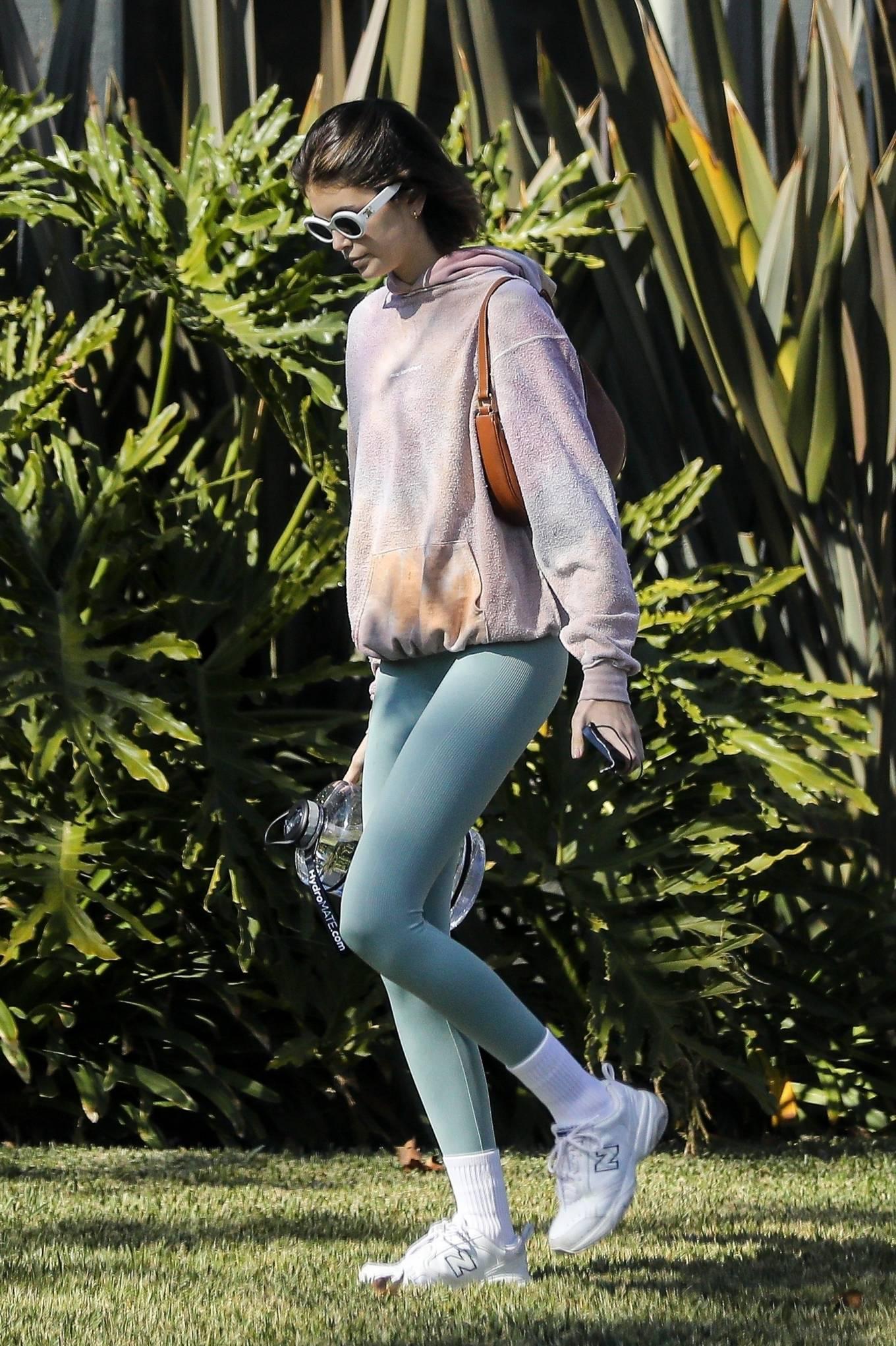 Kaia Gerber 2020 : Kaia Gerber – Seen walking her dog in Santa Monica-21
