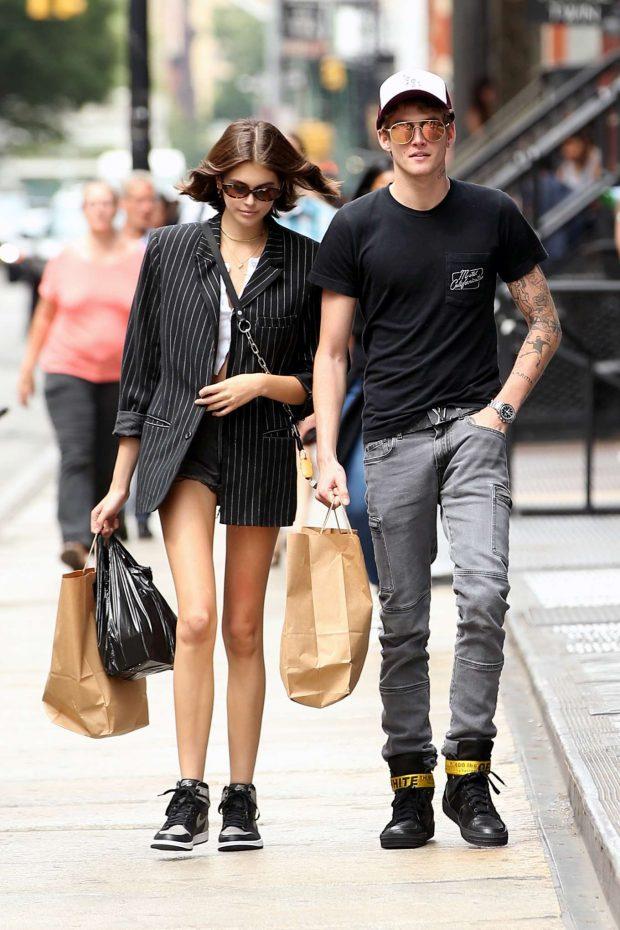 Kaia Gerber: Shopping in New York City-02