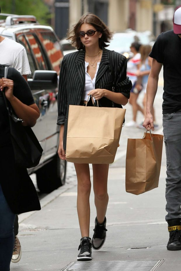 Kaia Gerber - Shopping in New York City