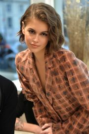 Kaia Gerber - Signs her I-D issue in Paris