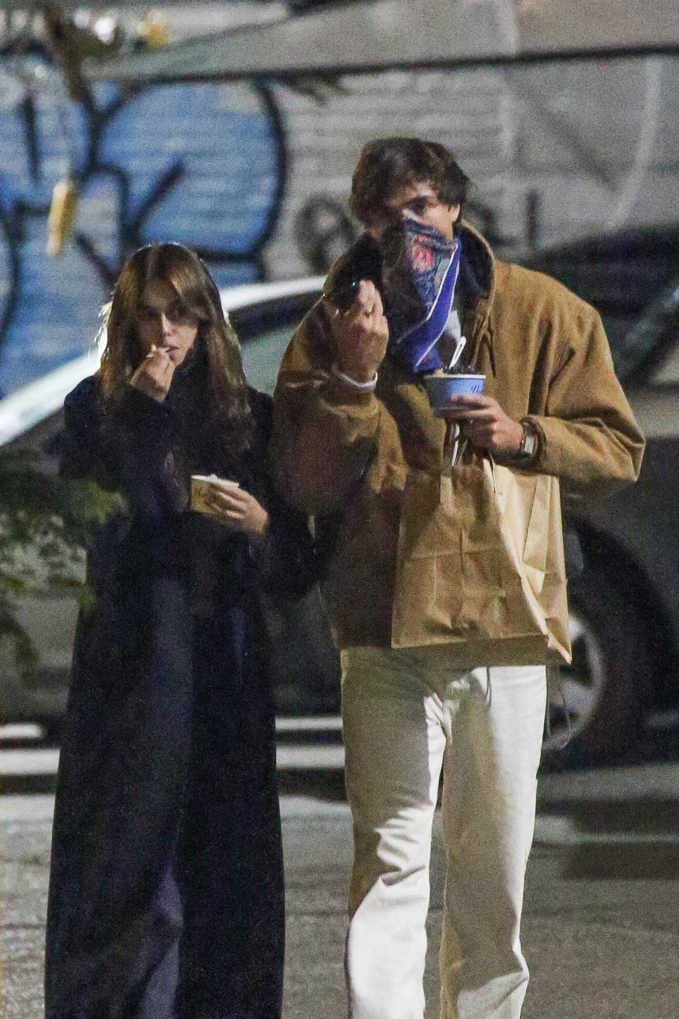Kaia Gerber 2021 : Kaia Gerber – With her boyfriend Jacob Elordi stroll while out in New York-05